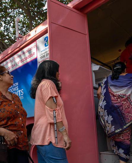 Women entering Ti Bus